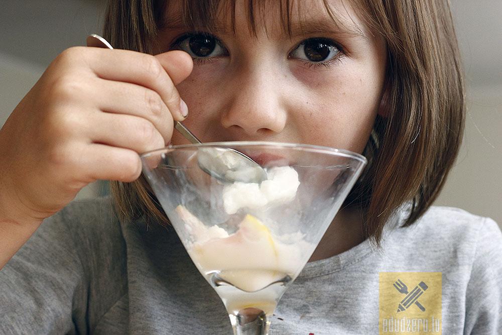 Debešķīgo paniņu saldējums - garšo visiem vecumiem.